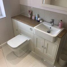 1920s Bathroom, Oak Bathroom, Small Bathroom, Marble Bathrooms, Kitchen Small, Bathroom Ideas, 1920s Interior Design, Bathroom Interior Design, Toilet Closet