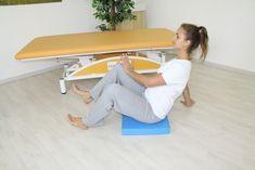 AKRÁLNÍ KOAKTIVAČNÍ TERAPIE: Vzpěr a stabilizace o kořeny rukou a pat vsedě na balanční podložce. Cílem cvičení je přímení trupu, lepší svalová koordinace, zapojení svalové koaktivace, zlepšení rovnováhy a zlepšení motorických dovedností a vzorů Korn, Desk, Cabinet, Storage, Furniture, Home Decor, Clothes Stand, Purse Storage, Desktop