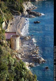 Italia, Campania, La playa de Conca dei Marini lo largo de la costa Amalfitana