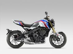 Honda is set to throw a Blade-powered CB into the supernaked ring    http://amcn.com.au/editorial/time-blade-based-cb1000r-coming/