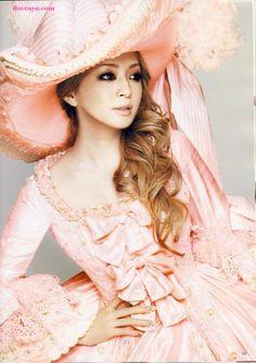 Love the outfit!  Ayumi Hamasaki - Gyaru Wiki