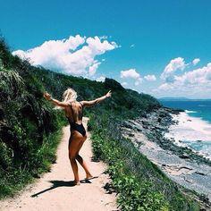 289 : waterfalls to beach pathway