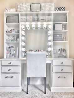 awesome Cute Makeup Vanity Table Designs Ideas That Looks Amazing Makeup Vanity With Drawers, Makeup Table Vanity, Vanity Room, Vanity Ideas, Vanity For Bedroom, Cute Makeup Vanity, Diy Makeup Vanity Ikea, Corner Makeup Vanity, Diy Vanity Table