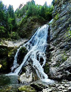 Rachitele Waterfall, Cluj County, Romania Emeralds, Travel Europe, Places To Go, Waterfall, School, Outdoor, Naturaleza, Green, Beauty