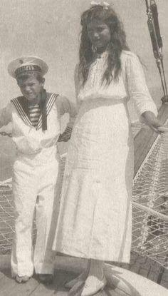Tsarevich Alexei Nikolaevich Romanov of Russia and Grand Duchess Maria Nikolaevna Romanova of Russia.A♥W