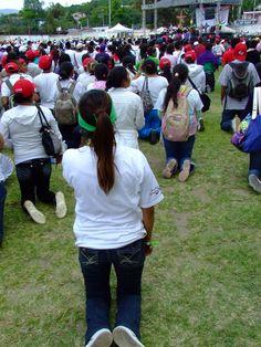 Encuentro Juvenil Diocesano 2012.  Comonfort, Gto. Estadio de Futbol. www.pastoraljuvenildecelaya.blogspot.mx y www.diocesisdecelaya.org.mx