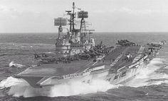 #ShipsOfYesteryear - HMS ARK ROYAL. pic.twitter.com/gSxwuM6mO8 Hms Ark Royal, Royal Navy Aircraft Carriers, Navy Carriers, British Aircraft Carrier, Marina Real, F4 Phantom, Navy Day, Capital Ship, Naval History