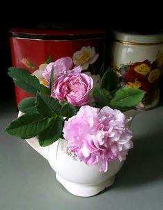 "Granny's old creamer ""Irja"" Jar, Retro, Roses, Vintage, Home Decor, Decoration Home, Pink, Room Decor, Rose"