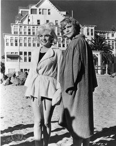 "Marilyn Monroe as Sugar & Jack Lemmon as Daphne In ""Some Like It Hot"" 1959"