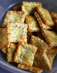 Need a low carb snack or crackers for your low carb soup? Check out this delicious recipe for Parmesan Cheddar Crackers! Need a low carb snack or crackers for your low carb soup? Check out this delicious recipe for Parmesan Cheddar Crackers! Keto Recipes, Cooking Recipes, Healthy Recipes, Healthy Snacks Savory, Ark Recipes, Zuchinni Recipes, Zoodle Recipes, Spiralizer Recipes, Ketogenic Recipes