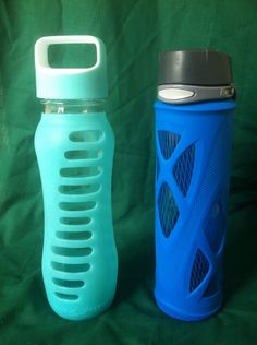 Eco Vessel Surf Recycled Glass Water Bottle vs Zulu Glass Water