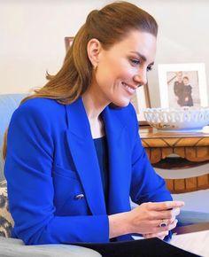 Duchess Kate, Duke And Duchess, Duchess Of Cambridge, Princess Kate Middleton, Kate Middleton Style, Awesome Kate, Royal Uk, Queen Kate, Middleton Family