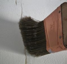 brush dust out of drywall cracks Plaster Ceiling Repair, Repair Ceilings, Plaster Walls, Fixing Drywall, How To Patch Drywall, Drywall Repair, Sheet Rock Walls, Cracked Paint, Ceiling Texture