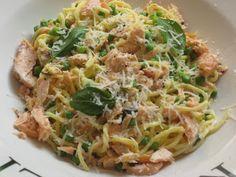 ♥ The Goddess's Kitchen ♥: Salmon, Peas and Crème Fraîche Pasta
