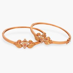 Featuring latest antique jewelry designs by Tarinika. Made with CZ stones with excellent craftsmanship. Explore unique jewelry designs from Kundan to Temple for all occasions. Buy now! Gold Bangles Design, Gold Earrings Designs, Jewelry Design, Gold Designs, Necklace Designs, Antique Bracelets, Bangle Bracelets, Bangle Set, Bracelet Set