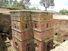 Igreja São Jorge em Lalibela, na Etiópia, um Patrimônio Mundial pela UNESCO.  Bet Giyorgis church Lalibela 01 - África – Wikipédia, a enciclopédia livre