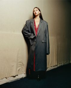 Spring / Summer 2015 Collection from the designer collective, with head designer Demna Gvasalia who is an Antwerp Royal Academy graduate. Fashion Brands, Fashion Show, Mens Fashion, Fashion Outfits, Balenciaga, Androgynous Look, Spring Summer 2015, All About Fashion, Superman