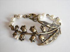 Royal Lily Bracelet  Ivory by BeadsStory on Etsy