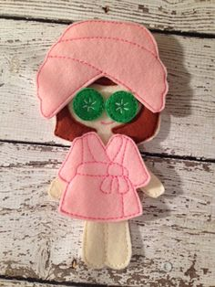 This listing is for one machine embroidered doll day at the spa set.    This adorable set includes the robe, towel head wrap and adorable