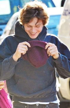 Evan Peters. I love that smile <3