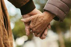 Oni su otelotvorenje strasti i snažnih emocija, pravi primeri odnosa koji se jednostavno ne mogu izbeći. Osam znakova, osam različitih karaktera. Koliko god se opirali, oni su sudbinski predodređeni jedni drugima, piše Noizz. Magnetski se privlače i ludački se vole. Otkrijte da li ste i vi i vaša voljena osoba među njima. OVAN I VAGA […] The post 4 ljubavna para Zodijaka koja su sudbinski predodređena jedno drugome appeared first on Luftika.