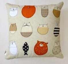 stella-and-friends-cushion