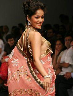 Neelanjana Sarees: Jazz up that Saree Blouse