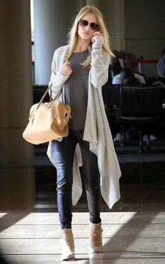 Popular Women Outfit Ideas For Early Fall With Sweaters 18