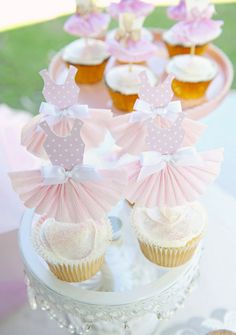 These adorable ballerina cupcakes are some of the prettiest we've seen with the gorgeous little crepe paper skirts & satin bows! Ballerina Cupcakes, Tutu Cupcakes, Ballerina Birthday Parties, Ballerina Party, First Birthday Parties, Girl Birthday, Shower Party, Baby Shower Parties, Tutu Decorations