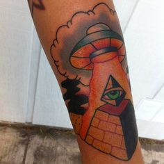 Pyramid Tattoo Designs with UFO Action Creative Tattoos, Cool Tattoos, Tattoo Shop, I Tattoo, Egyptian Tattoo, Egyptian Art, Pyramid Tattoo, Forearm Tattoo Design, Tattoos With Meaning