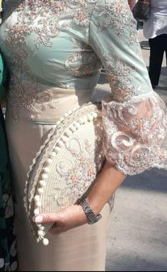 Bolso a juego con el vestido. Creado por Marian Escalona