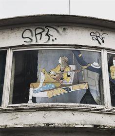 Guitar Heroine. #latergram #hamburg #schanze #sternschanze #streetart #streetarthamburg #hamburgstagram #hamburgstreetart #guitar #gitarre #guitarist #playingguitar #welovehh #schulterblatt #hamburgmeineperle