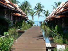 Khaolak Laguna Resort in Khuekkhak, Phang-nga - heerlijk resort waar MrsNomad's Nathaly was.   www.mrsnomad.nl/khaolak-laguna/ Ao Nang Krabi, Comfy Bed, Best Resorts, Bed And Breakfast, Travelling, Thailand, Journey, Holidays, Sunset