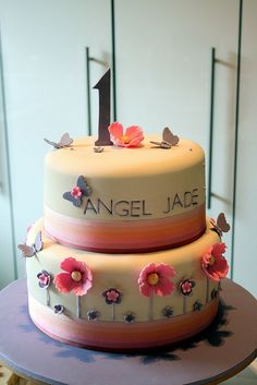 1 year old Birthday Cake by kylie lambert (Le Cupcake), via Flickr
