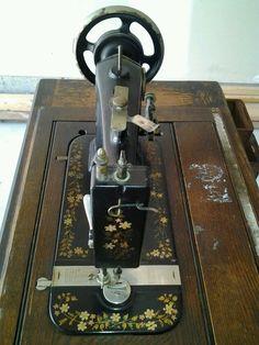 Working Vintage Treadle New Windsor Sewing Machine Mongomery Wards Iron 1800'S | eBay