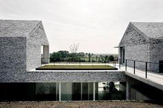 Villa H. te W . Wortegem    Stéphane Beel Architects  . photos: © VAi . © Luca Beel . + VAi     H et waardevol landschappelijke karakter van...