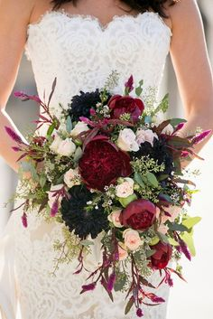 Gorgeous Cascading Wedding Bouquets ❤️ See more: http://www.weddingforward.com/cascading-wedding-bouquets/ #weddings