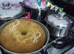 Bolinho de leite ninho para o café de amanhã  receitinha do ig da amiga @lar_daevinha_  gentemm como esse bolo cresceu o cheiro está uma delícia. To tão feliz pelo dia de hoje voltei ao trabalho um pouco de dor ainda mas deu tudo certo em nome de Jesus!!! Boa noite  #cake #bolo #cafedamanha #receita #leiteninho #delicia #quentinho #saindodoforno #fogao #capricho #amoremtudoquefaco #nofilter #comamor #amorpelolar #pratico #cheirinho #de #coisa #boa #boanoite by minhacasamimosa…