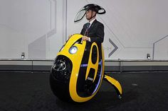 #Hyundai dreams up egg-shaped E4U personal transporter. Would you use this crazy contraption? It is very sci-fi!