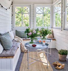 〚 dacha 〛◾ Photos ◾ Ideas ◾ Design Scandinavian Cottage, Swedish Cottage, Wooden Cottage, Cute Cottage, Old Cottage, Swedish House, Weekend Cottages, Georgia Homes, The Way Home