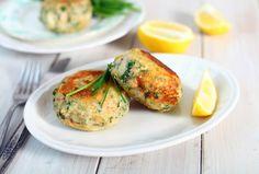 Low FODMAP tuna and sweet potato patties recipe - Monash Fodmap Fish Cakes Recipe, Fish Recipes, Seafood Recipes, Cooking Recipes, Cooking Tips, Salmon Cakes, Crab Cakes, Low Fodmap Vegetables, Salmon Fishcakes