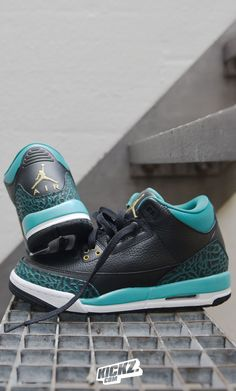 7da8934f1b43a The Girl's Jordan 3 has a new Colorway! Fitting to the Christmas time  Jordan drops the 3 Retro in a Black/Mint-Green/Gold mix!