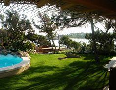 Villa in Sardinia. Natural Balance. Continuity between home and sea in the Mediterranean scrub.