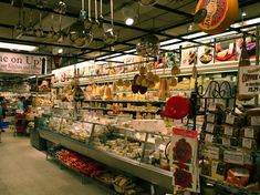 https://www.timeout.com/newyork/shopping/the-best-grocery-stores-in-new-york