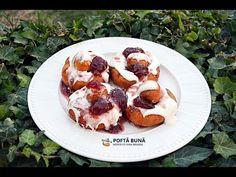 Papanasi pufosi cu smantana si dulceata (reteta simpla) - YouTube Romanian Desserts, Romanian Food, Romanian Recipes, Easy Bun, No Cook Desserts, Gin, French Toast, Sweets, Cooking