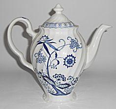 J & G Meakin China Blue Nordic Coffeepot W/lid Mint