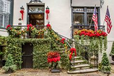 It's never to early to start daydreaming about Christmas, especially since there is so much to look forward to in Savannah.