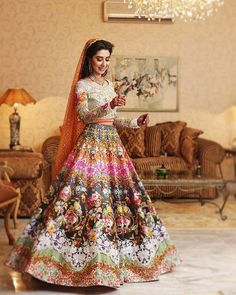 If classic red is not your style, be as authentic as you want for your wedding and check out these bridal lehenga in colourful designs and stylish silhouettes! Pakistani Mehndi Dress, Bridal Mehndi Dresses, Pakistani Wedding Outfits, Bridal Dress Design, Pakistani Wedding Dresses, Bridal Outfits, Pakistani Couture, Wedding Lehnga, Pakistani Clothing