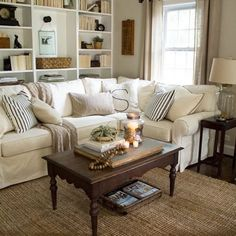 Elegant Rustic Apartment Living Room Decor Ideas – Best Home Decorating Ideas - Page 26 Cottage Style Living Room, Barn Living, French Country Living Room, Coastal Living Rooms, Home Living, Country French, Country Style, Small Living, French Cottage