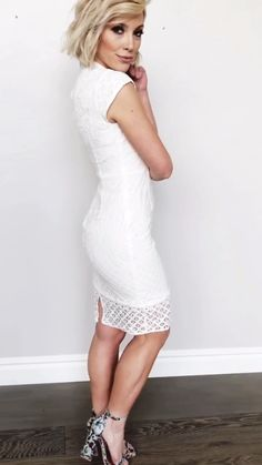 This Baltic Born exclusive bodycon style dress will carry you through engagement parties, bridal showers, wedding getaways, and every occasion in between. Dresses Elegant, Pretty Dresses, Casual Dresses, Fashion Dresses, Job Interview Outfits For Women, Bodycon Fashion, Bodycon Style, Evening Dresses, Prom Dresses